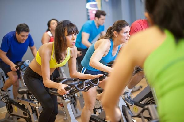 csoportos spinning edzés